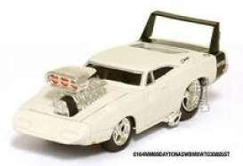 Muscle Machines - Dodge  - mus71151CD3 : 1969 Dodge Charger Daytona, white