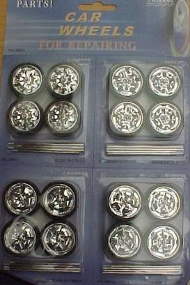 Wheels - Rims & tires Wheels & tires - wheels2005a : 4 sets of 4 different rims & tyres with spinners. Good for 1/18 models like hot rods, street rods and tuning cars.
