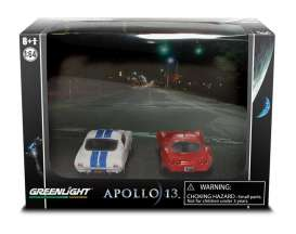 GreenLight - Chevrolet Shelby - gl56040B : *Diorama series 4* Apollo 13 1970 Chevrolet Corvette 427 & 1965 Shelby GT350. Limited edition all Dioramas are made one time only.