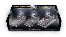 Vitesse SunStar - Delorean  - vss24016 : Delorean DMC 12 Back to the Future special set of 3. With the car from Part I, Part II and Part III the railroad version.