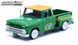 Greenlight - Chevrolet  - gl12874 : 1965 Chevrolet pick-up C-10 Styleside *Quaker State*, green