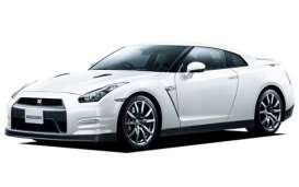 Aoshima - Mitsubishi  - abk108072 : 2012 Nissan GT-R (R35) Pure Edition Pre-Painted, plastic modelkit