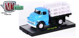 M2 Machines - Fargo  - M2-31500-21D1 : 1957 Fargo COE pick-up, blue
