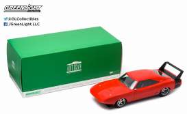 GreenLight - Dodge  - gl19004 : 1969 Dodge Charger Daytona Custom *Artisan Collection*, orange with black wing.