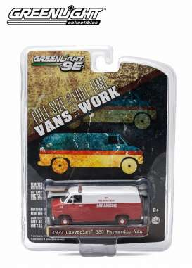 GreenLight - Chevrolet  - gl29781 : 1977 Chevrolet G20 Van City Fire Department Paramedic *Hobby Exclusive*