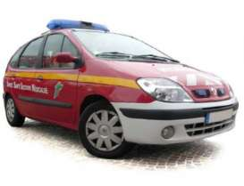 Norev - Renault  - nor517730 : 2000 Renault Scenic *Pompiers*, red