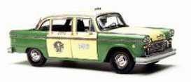 SunStar - Checker  - sun2502*1 : 1981 Checker A11 Chicago Cab, green/creme