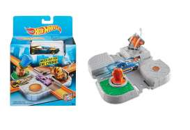 Mattel Hotwheels - Kids Hotwheels - MatCDM44-CDM46 : Hotwheels Playset *Cyborg Crossing*. These sets can be used to build great big tracks with various tricks and stunts.