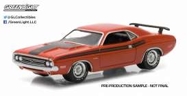 GreenLight - Dodge  - gl13130D : 1971 Dodge Challenger R/T * Muscle Series 13*, orange