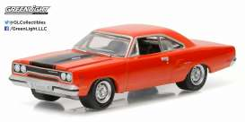 GreenLight - Plymouth  - gl13160B : 1970 Plymouth Road Runner *Muscle Series 16*, red