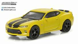 GreenLight - Chevrolet  - gl13160E : 2016 Chevrolet Camaro 50th Anniversary Edition *Muscle Series 16*, yellow