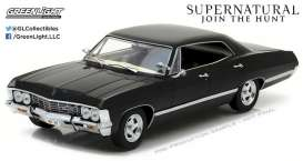 GreenLight - Chevrolet  - gl84032 : 1967 Impala Sport Sedan *Supernatural* 1/24 Hollywood series. With Opening doors & trunk !!