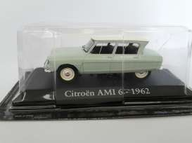 Magazine Models - Citroen  - magRBAami : 1963 Citroen Ami 6, light green/white