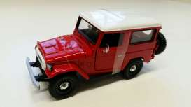 Motor Max - Toyota  - mmax79323rw*1 : 1974 Toyota FJ40 hard top, red with white hard top.