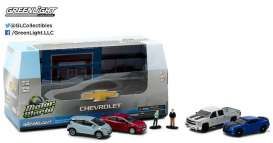 GreenLight - Chevrolet  - gl58034 : 1/64 Motor World 5 car Diorama set Modern Chevrolet Dealership