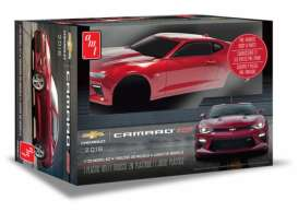 AMT - Chevrolet  - amts1020 : 1/25 2016 Chevrolet Camaro SS (Pre-painted), plastic modelkit