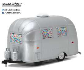GreenLight - Airstream  - gl18410B : 2016 Airstream Bambi *Hitch & Tow Trailers Series 1*, grey