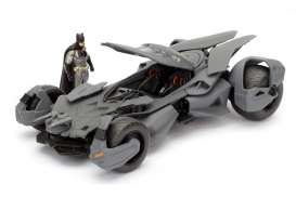 Jada Toys - Batman  - jada98034 : 2016 Batmobile *Batman v. Superman*, grey with Diecast Batman Figure