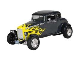Motor Max - Ford  - mmax73171bky : 1932 Ford Hot Rod Window Coupe Yellow Flame, black/yellow