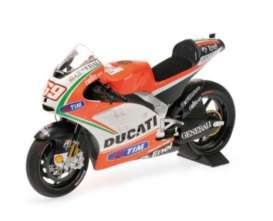 Minichamps - Ducati  - mc122120069 : 2012 Ducati Desmosedici GP12 Nicky Hayden Moto GP 2012, white/red