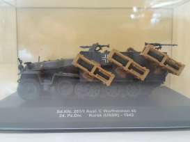 Magazine Models - Military Vehicles  - magMILsdKfz251*1 : 1942 Sd.Kfz. 251/1 Ausf. C Wurfrahmen 40 24 Pz.Div. Kursk USSR *Military Vehicles Series*, green
