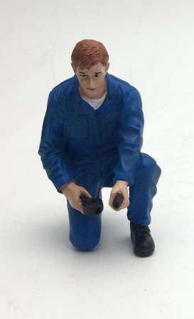 American Diorama - Figures diorama - AD77446 : 1/18 Mechanic Tony Inflating Tire