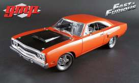 GMP - Plymouth  - gmp18807*3 : 1970 Plymouth Road Runner *Furious 7 (2015)*, copper.