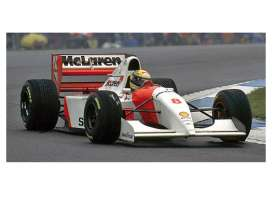 Minichamps - McLaren Ford - mc547934308 : 1993 Mclaren Ford MP4/8 *Ayrton Senna* Winner European GP *Resin Series*, white/red