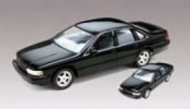 Chevrolet  - 1994  - 1:25 - Revell - Germany - rmxs6686 | Tom's Modelauto's