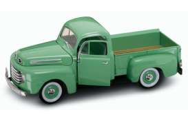 Ford  - 1957 light green - 1:18 - Lucky Diecast - 92218gn - ldc92218gn | Tom's Modelauto's