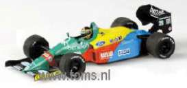 Benetton  - 1988 red/yellow/blue - 1:43 - Minichamps - 400880020 - mc400880020 | Tom's Modelauto's