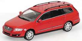 Volkswagen  - 2005 red - 1:43 - Minichamps - 400054010 - mc400054010 | Tom's Modelauto's