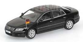 Volkswagen  - 2005 black - 1:43 - Minichamps - 436051000 - mc436051000 | Toms Modelautos