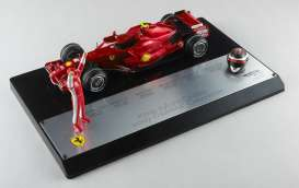 Hotwheels Elite - Ferrari  - hwmvM0551 : 2007 F1 Ferrari Kimi Raikkonen World Champion edition Brazilian GP, cherry red