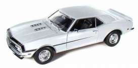 Chevrolet  - 1968 white - 1:18 - Welly - 12556w - welly12556w | Toms Modelautos