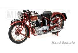 Triumph  - 1939 red - 1:12 - Minichamps - 122133700 - mc122133700 | Tom's Modelauto's