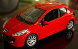 Peugeot  - 2008 red - 1:24 - Welly - 22492r - welly22492r | Toms Modelautos