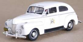 Ford  - 1941 white - 1:43 - First Response - fr1941-NY3 | Tom's Modelauto's