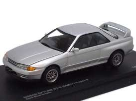 Nissan  - 1989 silver - 1:43 - Kyosho - 3222S - kyo3222S | Toms Modelautos