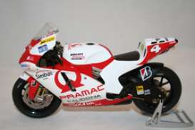 Ducati  - 2007 white/red - 1:12 - IXO Models - AltaGX035Barros | Tom's Modelauto's
