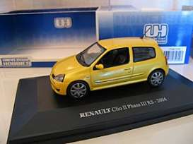 Renault  - 2001 yellow-gold - 1:43 - Universal Hobbies - UH2356 | Tom's Modelauto's