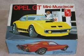 AMT - Opel Buick - amts729 : 1/25 Buick Opel GT molded in white, plastic modelkit
