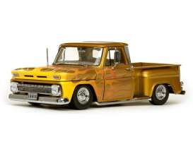Chevrolet  - C-10 Stepside lowrider 1965 metallic gold - 1:18 - SunStar - 1393 - sun1393 | Tom's Modelauto's