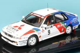 Mitsubishi  - 1989 white/blue/red - 1:43 - IXO Models - rac222 - ixrac222 | Tom's Modelauto's