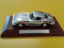 Chevrolet  - Stingray 1967 chrome - 1:43 - Magazine Models - CHRstingray - magCHR110stingray | Tom's Modelauto's
