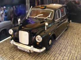 Magazine Models - Austin  - magJBFX4 : Austin FX4 James Bond *Octopussy*, black