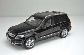 Mercedes Benz  - 2013 black - 1:18 - GTA - gta11008bk | Tom's Modelauto's