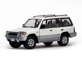 Mitsubishi  - 1998 summit white - 1:18 - SunStar - 1228 - sun1228 | Toms Modelautos