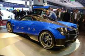 Pagani  - 2013 blue/black - 1:43 - GTA - gta41011b | Toms Modelautos