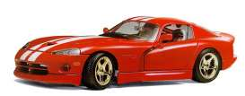 Dodge  - 1997 red - 1:18 - Bburago - 3075 - bura3075 | Toms Modelautos